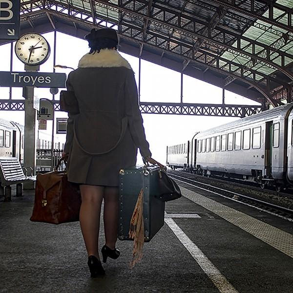 Partance - Scène 9 de l histoire de La valise - Agnès Briand Photographe